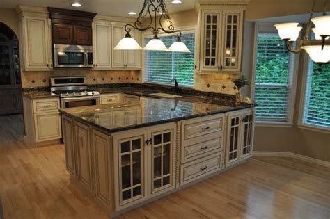 Pantry Cabinets To Boost Your Kitchen?s Efficiency
