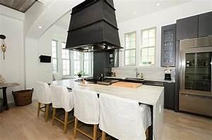 Kitchen Hood Over Island Cottage Kitchen