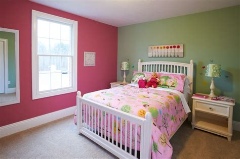 pink  green wall colors  girls bedroom choosing