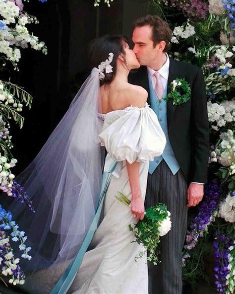 celebrity brides  wore unconventional colors