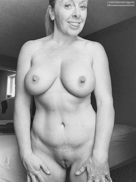 Real Couple Private Nudity Super Sexy Wife 5 Photos
