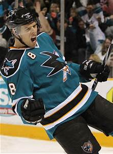 Sharks Re-Sign Big Name, Lose Former Coach and Player