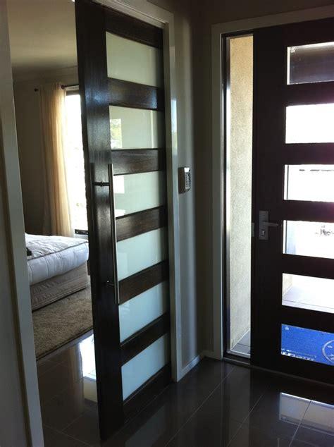 Bedroom Sliding Doors by Entrance Door With Sliding Door To Master Bedroom