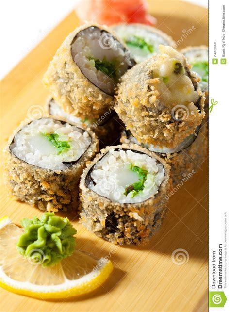 cuisine japonaise sushi cuisine japonaise roulis de sushi cuit en friteuse image