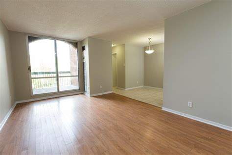 Appartment For Rent by 7170 7230 7280 Darcel Ave Etobicoke On L4t 3t7