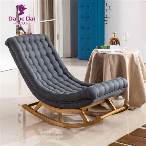 holz sessel wohnzimmer modernes design schaukel sessel stoffbezug und holz f 252 r
