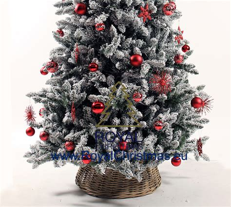 snow covered artificial christmas trees snow artificial christmas tree deluxe frosted pine 8333