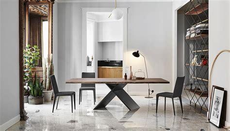 Tisch Und Stuhl by Tische Und St 252 Hle Bei M 246 Bel Suter