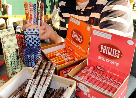 flavors cigars draw  young smokers