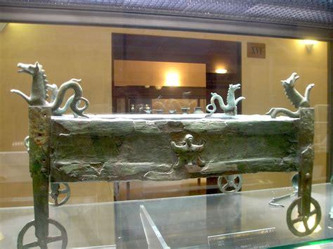 antichi vasi funebri museo archeologico di orvieto