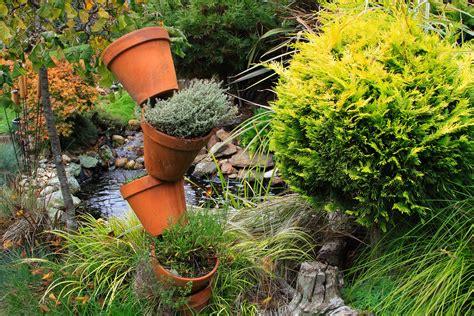 gairlochgarden variety  garden art