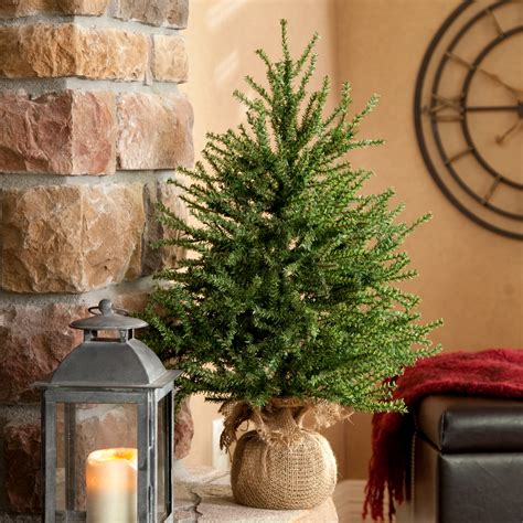 Home Element Decorations Elegant Small Christmas Tree In