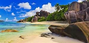 BANCO DE IMÁGENES: 12 fotos de playas exóticas, arena y mar azul