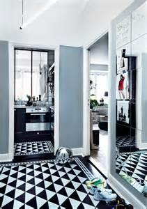 appartement renove aux murs gris fonces picslovin With meuble hall d entree ikea 1 inspirations autour du meuble besta dikea
