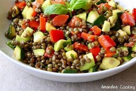 cuisiner les lentilles vertes salade de lentilles aux légumes