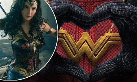 Ryan Reynolds hat-tips Gal Gadot on Wonder Woman gross