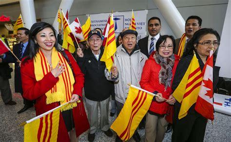 vietnamese refugees arrive  canada  star