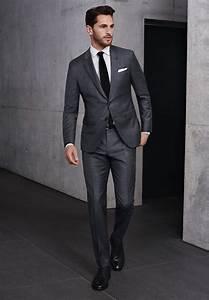 Blauer Anzug Schwarze Krawatte : grauer full canvas anzug wei es hemd schwarze krawatte und schuhe von boss br utigam pinterest ~ Frokenaadalensverden.com Haus und Dekorationen