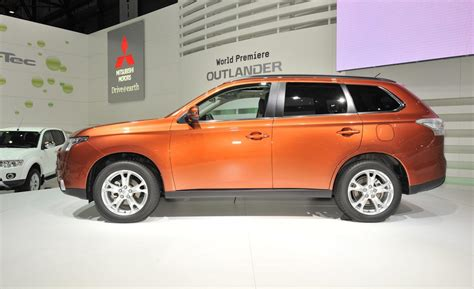 2013 mitsubishi outlander car and driver