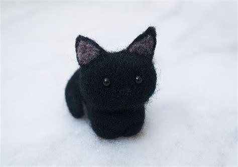 needle felted black cat everybunny crafts