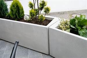 Beton pflanztrog monomentals betonmobel und design for Whirlpool garten mit große pflanzkübel beton