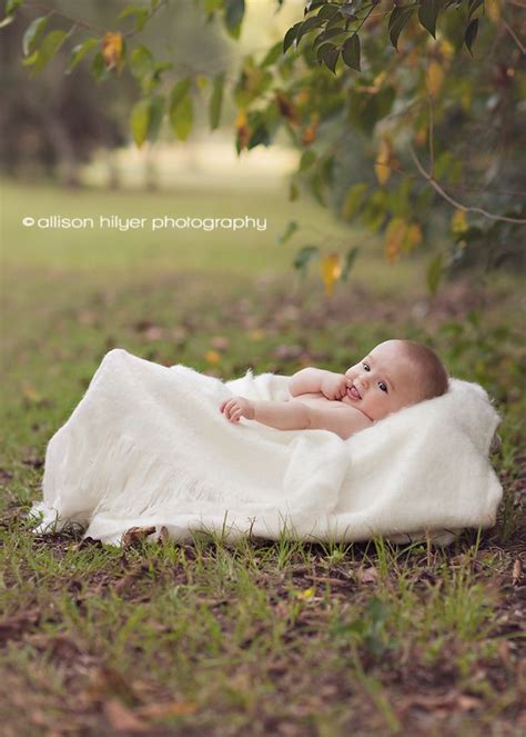 month outdoor baby photography  logan   basket