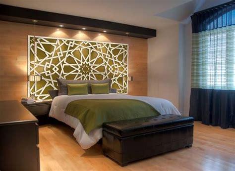 deco chambre orientale tête de lit orientale et porte marocaine