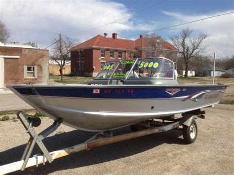 Chion Walleye Boats For Sale by 2005 Alumacraft Tournament Pro Sport 185 Walleye Boat Only