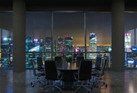 salle des gratte ciel le de table de bureau d isolement au dessus de la vue de blanche et photographie