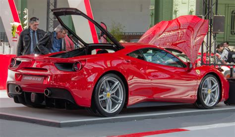 cost  insure   supercars