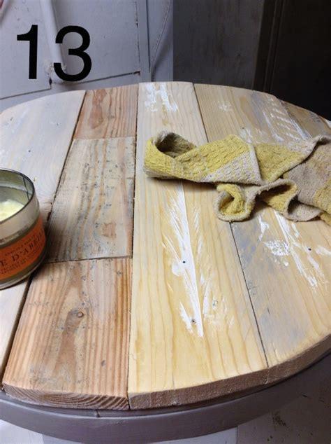 recouvrir une table basse en bois de palette déconome