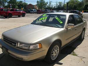 1990 Nissan Maxima - Overview