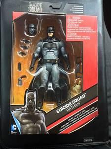 Batman Suicid Squad : packaging for these suicide squad action figures offer new looks at batman and the joker ~ Medecine-chirurgie-esthetiques.com Avis de Voitures