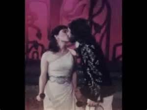 """Beatriz Adriana canta al Buki """"A quien le contaras"""" Video"""