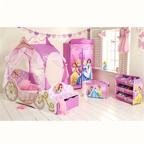 accessoire pour chambre accessoire chambre fille great attachante meuble chambre