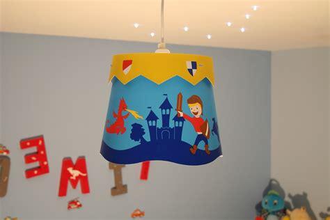 suspension luminaire chambre garcon lustre chambre garcon conceptions de maison blanzza com