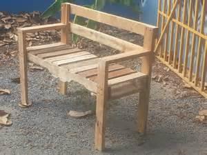 Outdoor Pallet Bench Ideas