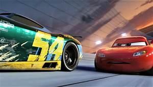 Bande Annonce Cars 3 : accident 9 supercars au sol sur l a12 les voitures ~ Medecine-chirurgie-esthetiques.com Avis de Voitures