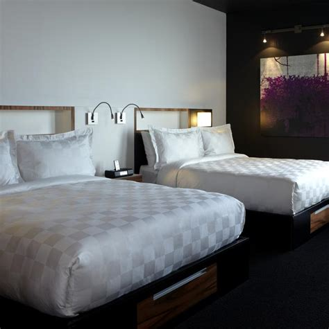 bedrooms with two beds alt toronto airport two beds alt hotel toronto airport