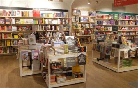 Libreria Piazza Duomo by Riapre La Feltrinelli Duomo Una Libreria Verso Il Futuro
