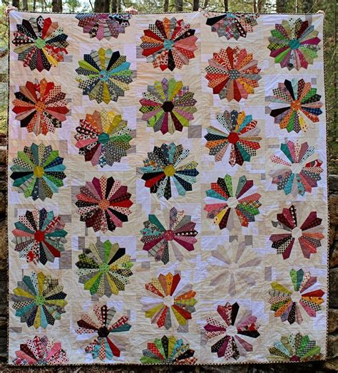 dresden plate quilt 496 best images about dresden plate quilts on pinterest