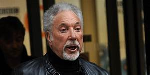 Tom Jones' homeless son calls for a reunion with father