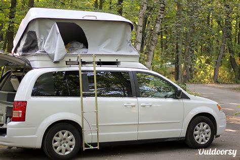 2010 Chrysler Town & Country Motor Home Camper Van Rental