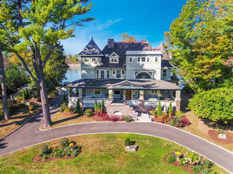 Queen Anne-style home in Greenwich looks like a museum ...