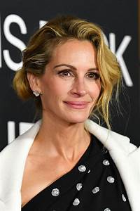 Julia Roberts looks amazing in Valentino while promoting ...