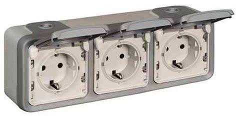 Alternative anzeigen in der umgebung. Aufputzsteckdose 3Er Ansghliessen - Wie schliesse ich eine Kopp 4fach Aufputzsteckdose an die ...