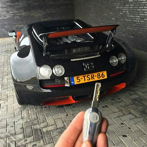 Without this key, the bugatti veyron super sport will only do a piffling 220mph. Bugatti Vitesse Speed Key Follow our Friend @DutchBugs for more incredible photos of his 3 ...