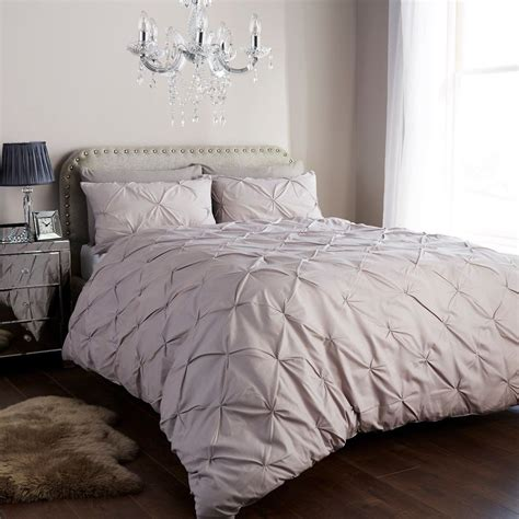 Designer Pintuck Duvet Cover Set With Pillow Cases, Luxury