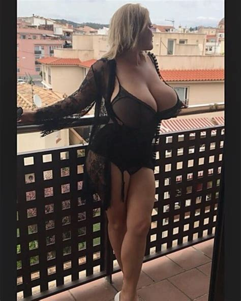 Olyria Roy Plus Size Models Curvage