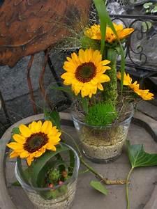 Tischdeko Mit Sonnenblumen : tischdeko blumen rosenrot ~ Lizthompson.info Haus und Dekorationen
